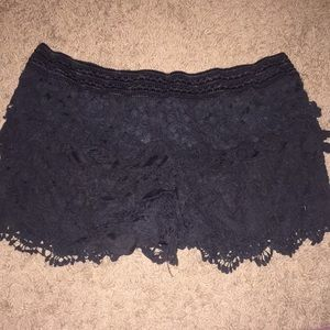 Pants - Lace shorts